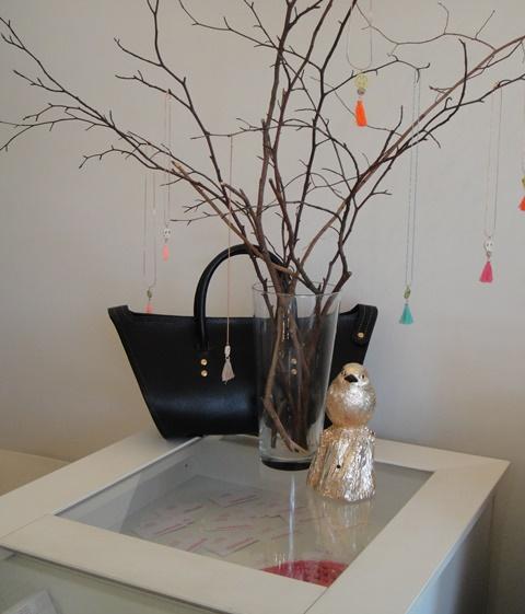 Sandori-Nachbarin-Damentasche-Zeitlos-Tresen-Ausschnitt