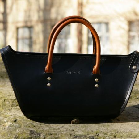 Sandori Damentasche Zeitlos schwarz cognac braun Vorderansicht (1024x683)