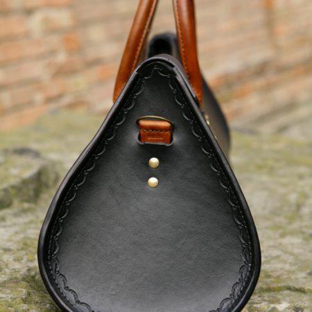 Sandori Herrentasche Zeitlos schwarz cognac braun Seitenansicht original (683x1024)