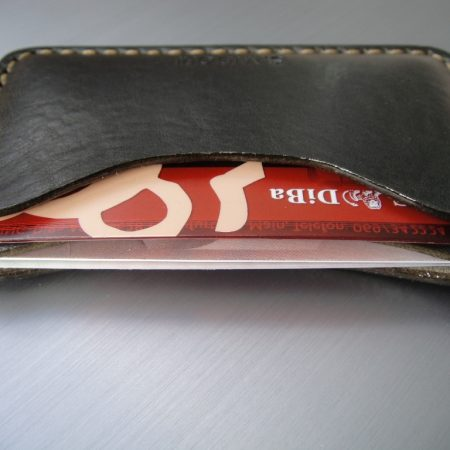 Sandori Kreditkartenetui Leder glatt dunkelolive Naht hell 2 (1024x768)