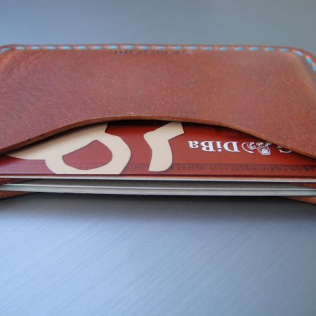 Sandori Kreditkartenetui Leder glatt mittelbraun Naht türkis 2 (1024x768)
