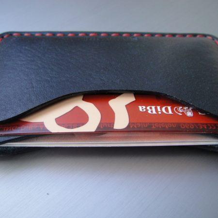 Sandori Kreditkartenetui Leder glatt schwarz Naht rot 1 (1024x768)